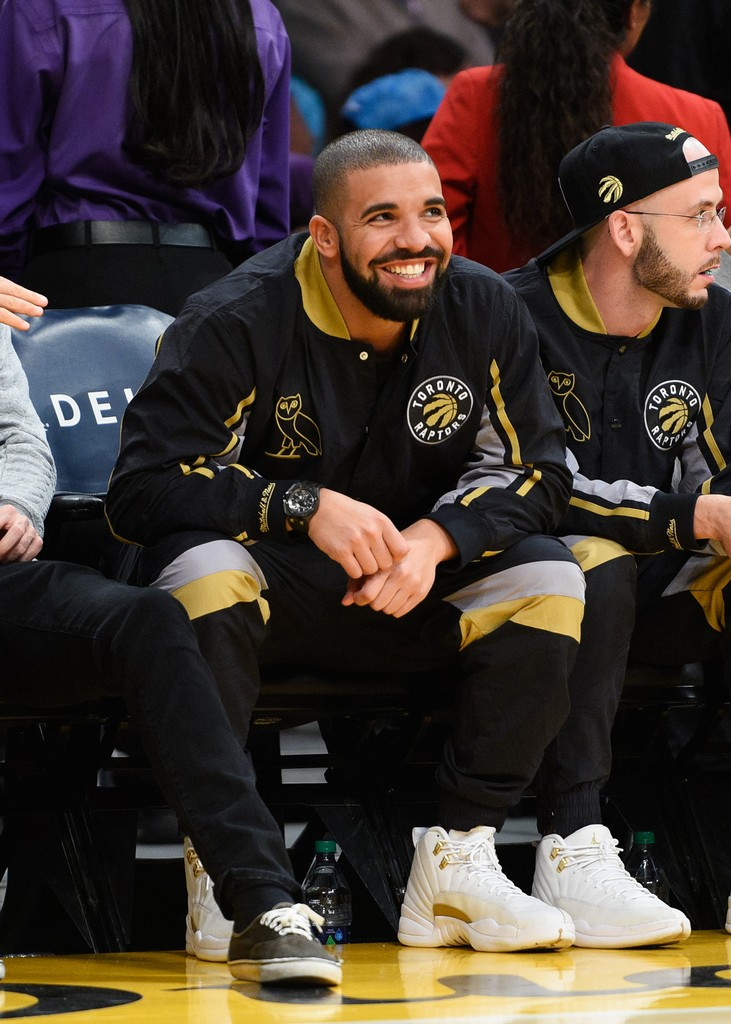 Drake attends a basketball game between the Toronto Raptors and the Los Angeles Lakers at Staples Center on Nov. 20, 2015 in Los Angeles.