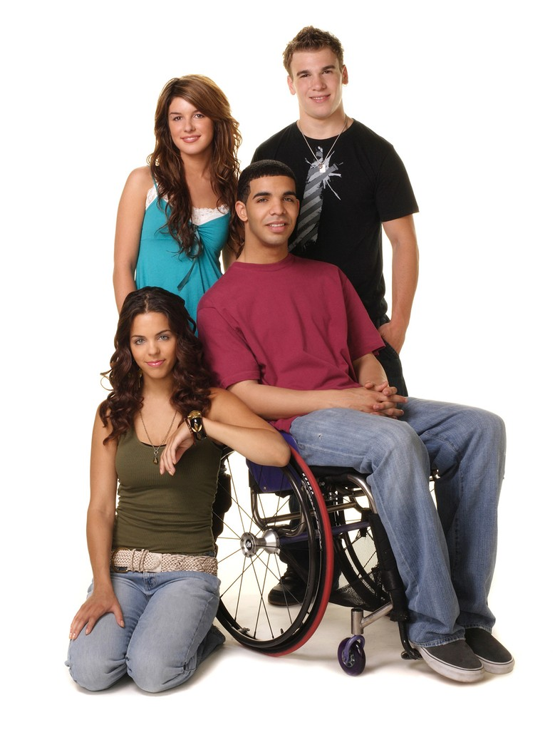 (clockwise from lower left) Melissa McIntyre, Shenae Grimes, Shane Kippel, Aubrey Graham in DEGRASSI: THE NEXT GENERATION (2001-2007)