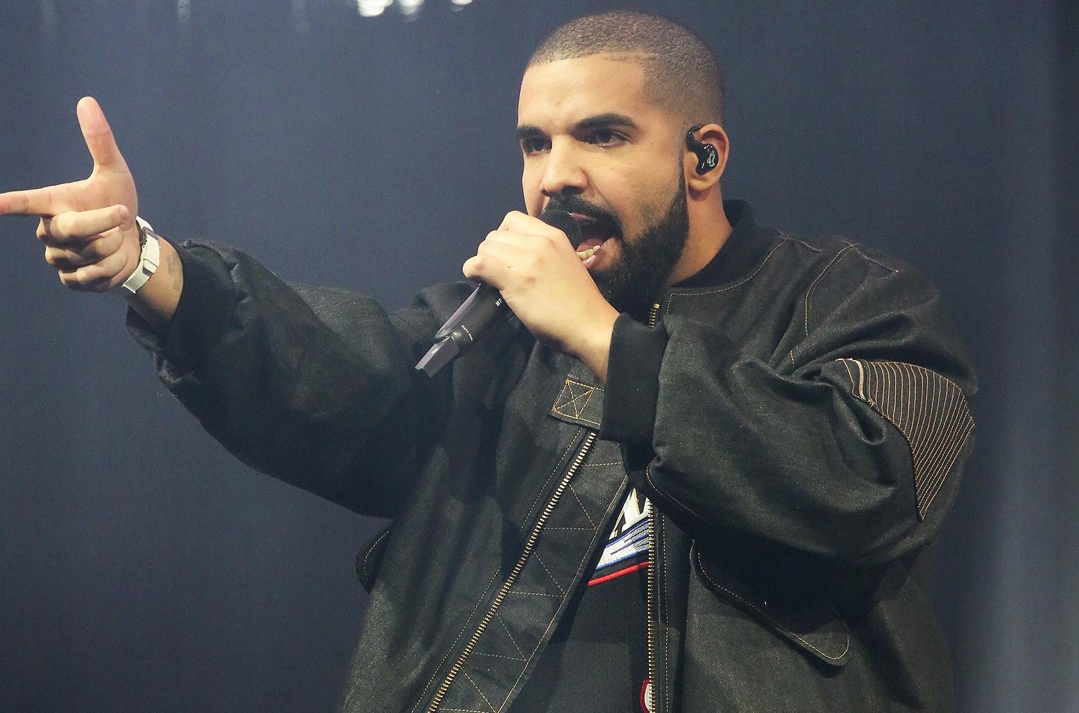 Drake performs in Philadelphia