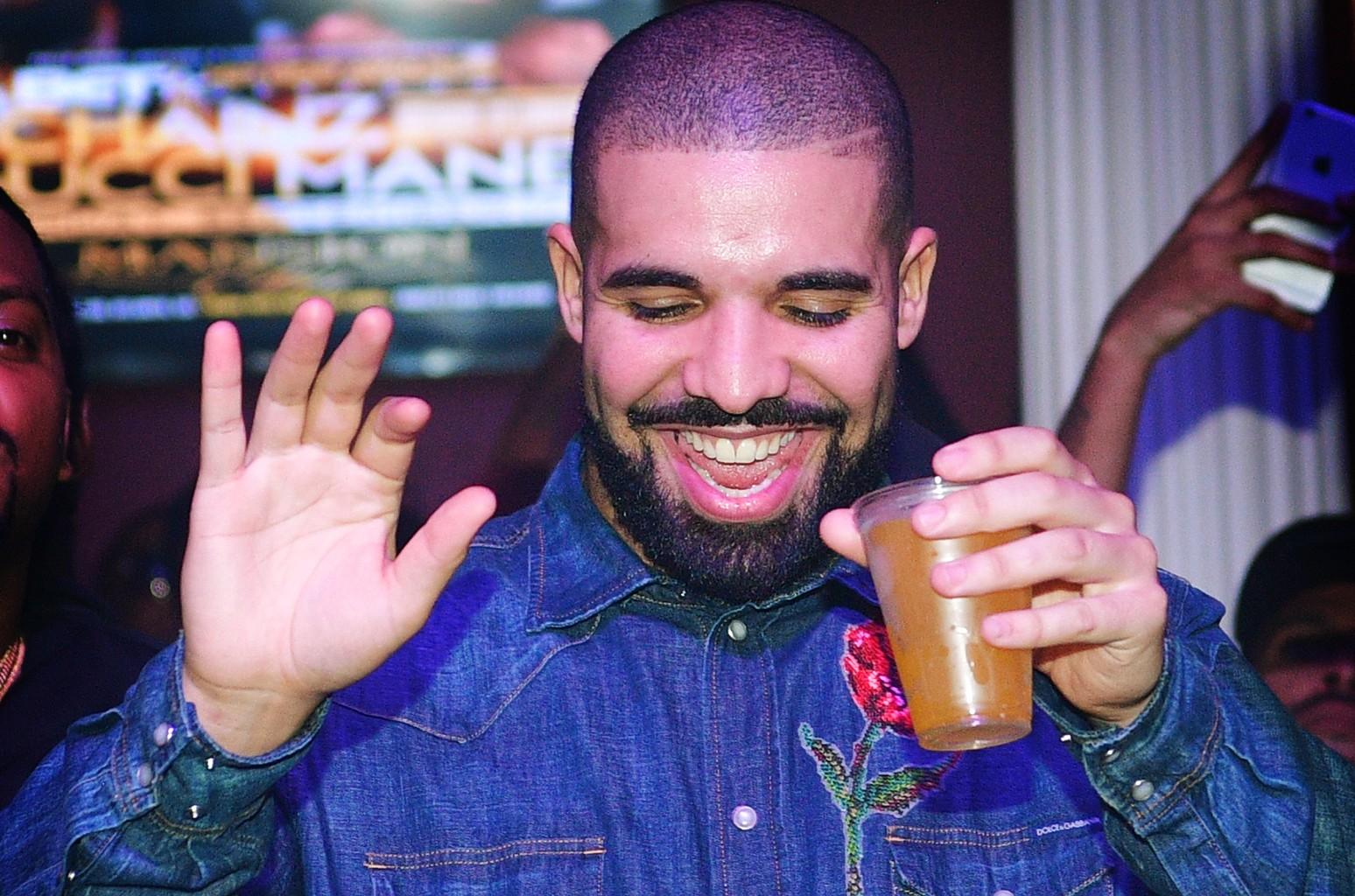 Drake, 2016