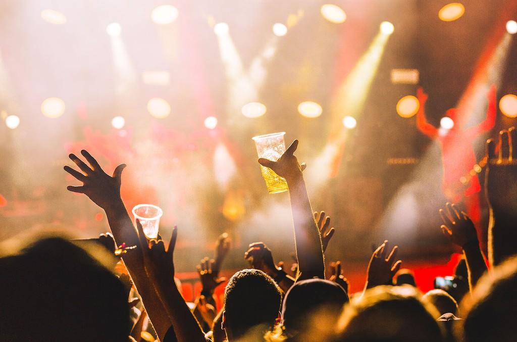 drink-concert-billboard-1548