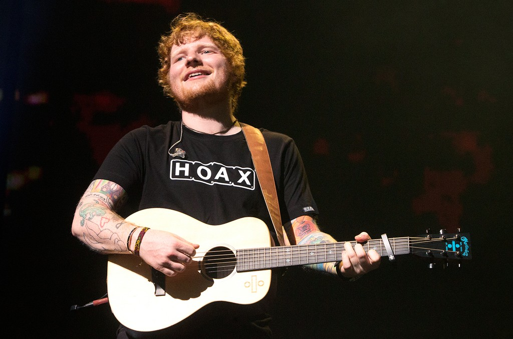 "Ed Sheeran performs in concert during his ""The ÷ Tour"" at The Wells Fargo Center on July 11, 2017 in Philadelphia."