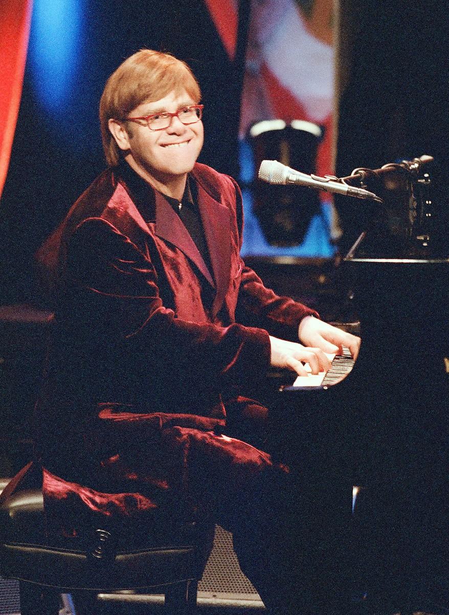 Elton John, 1997