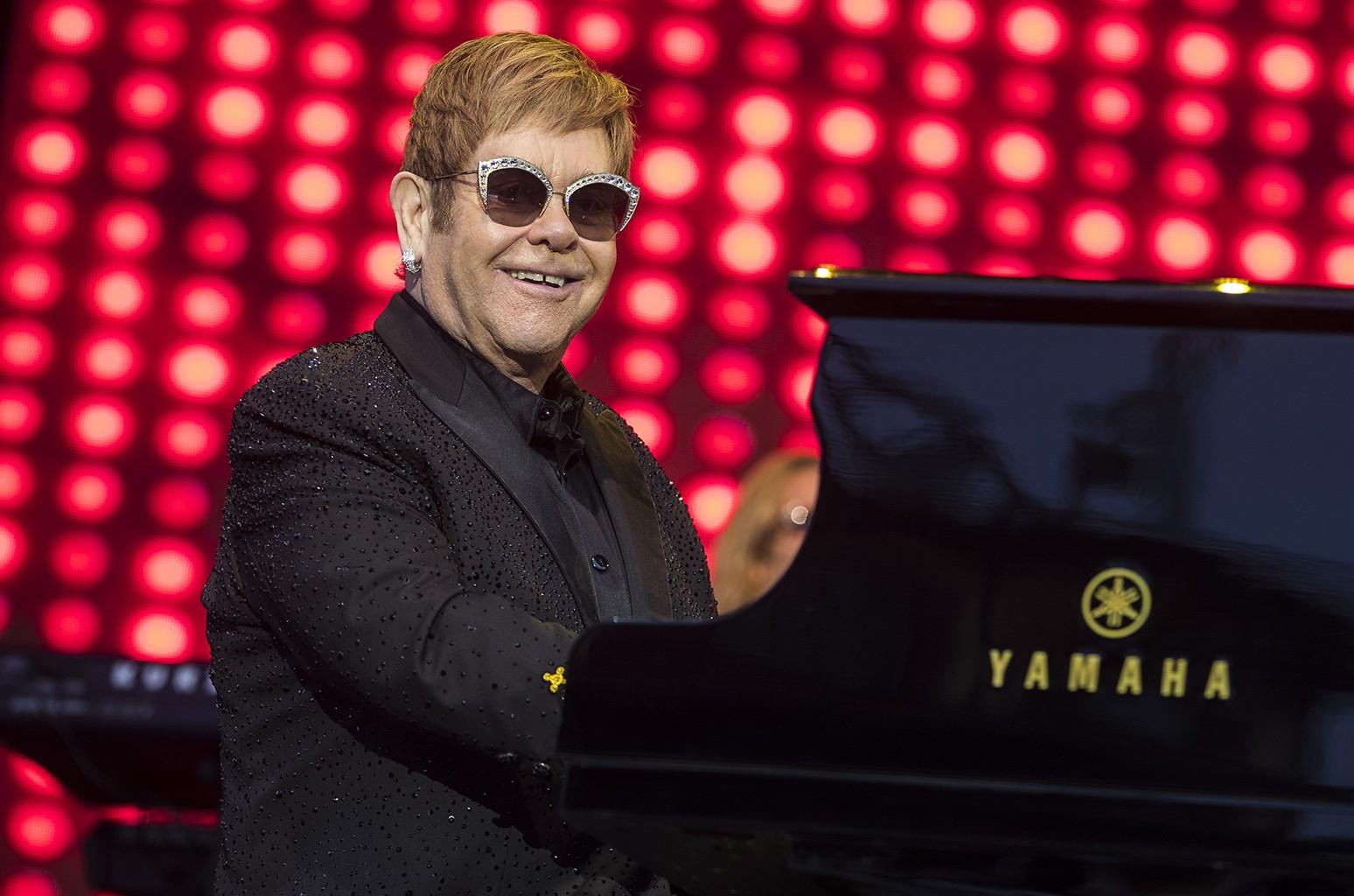 Elton John, 2017