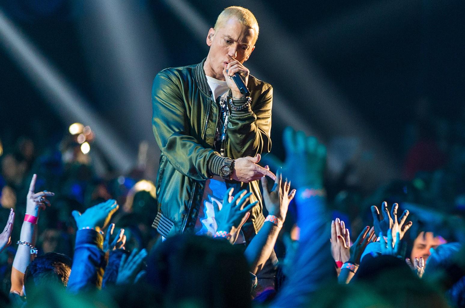 Eminem performs at Nokia Theatre in 2016