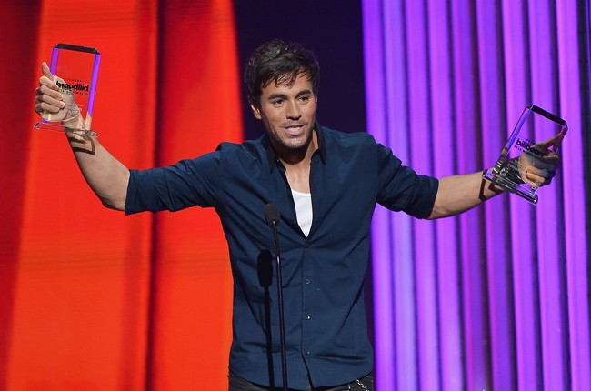 Enrique Iglesias performs onstage at the 2015 Billboard Latin Music Awards
