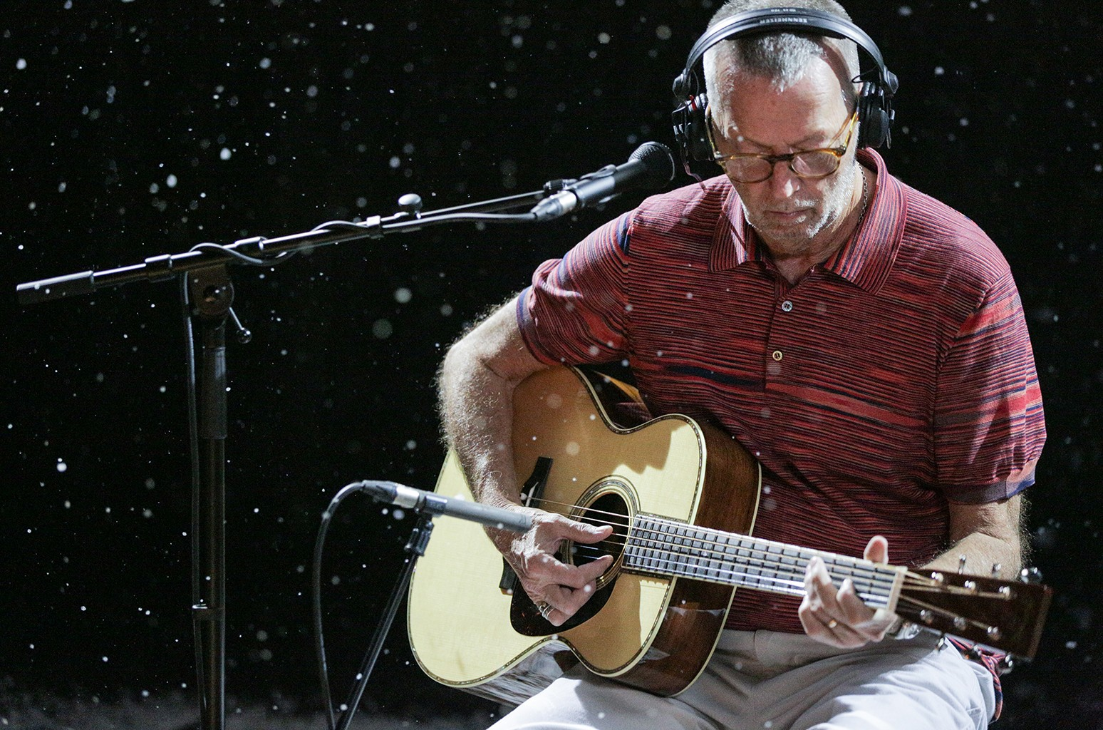 Eric Clapton Celebrates Christmas With First Full Length Holiday Album Exclusive Billboard