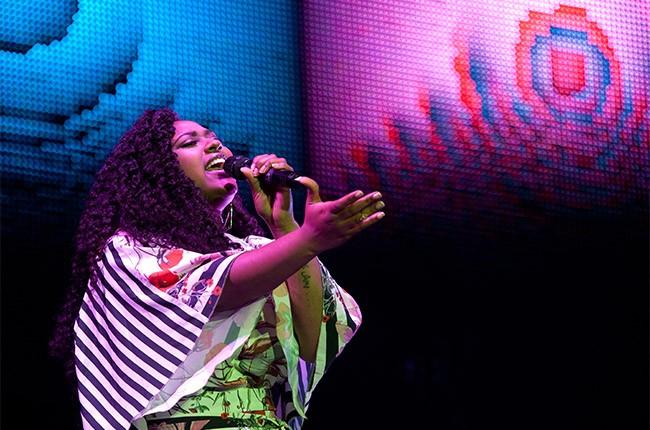 Jazmine Sullivan performs at the 2014 Essence Music Festival