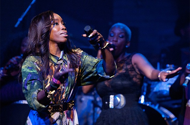 Estelle performs at the 2014 Essence Music Festival