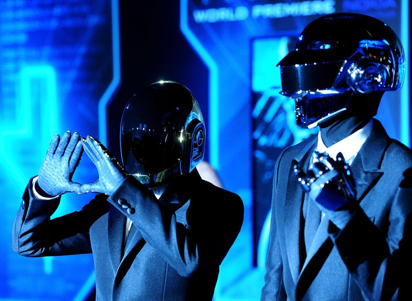 face-masks-fashion-daft-punk-600