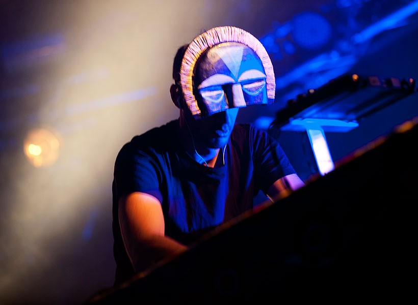 face-masks-fashion-sbtrkt-1-600