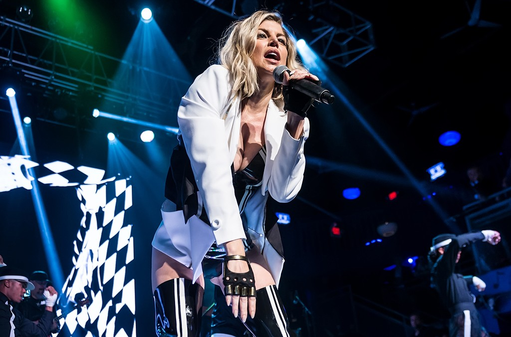 Fergie performs in 2016