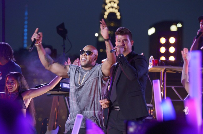 """Flo Rida and Robin Thicke rehearse for the 2015 """"Macy's Fourth of July Fireworks Spectacular"""