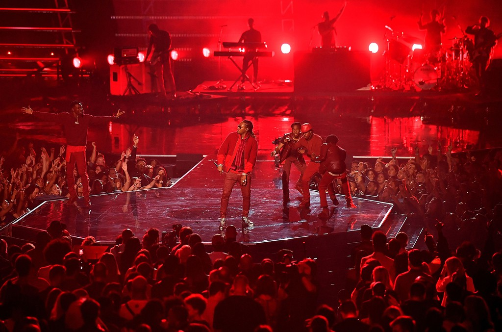 Future performs during the 2016 MTV Video Music Awards