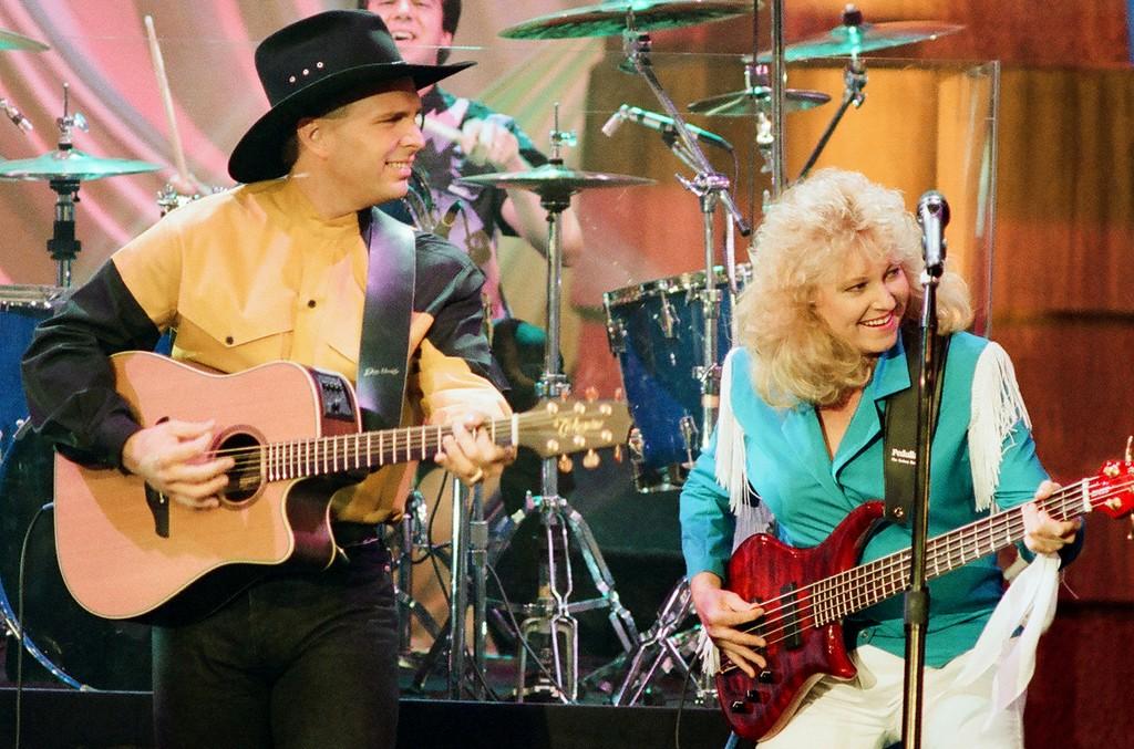 Garth Brooks & Betsy Smittle, 1993
