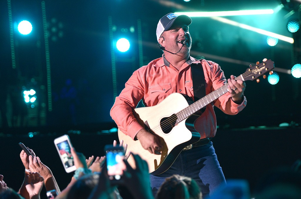 Garth Brooks performs a surprise set during the 2017 CMA Music Festival on June 8, 2017 in Nashville, Tenn.