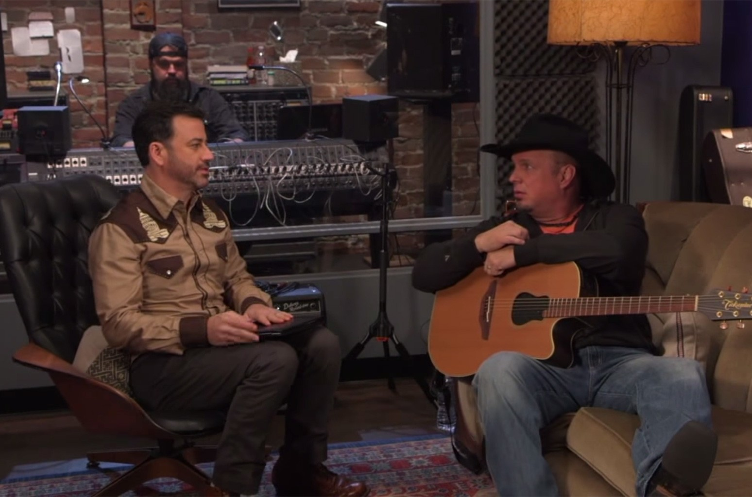 Garth Brooks Helps Jimmy Kimmel Write a Country Song