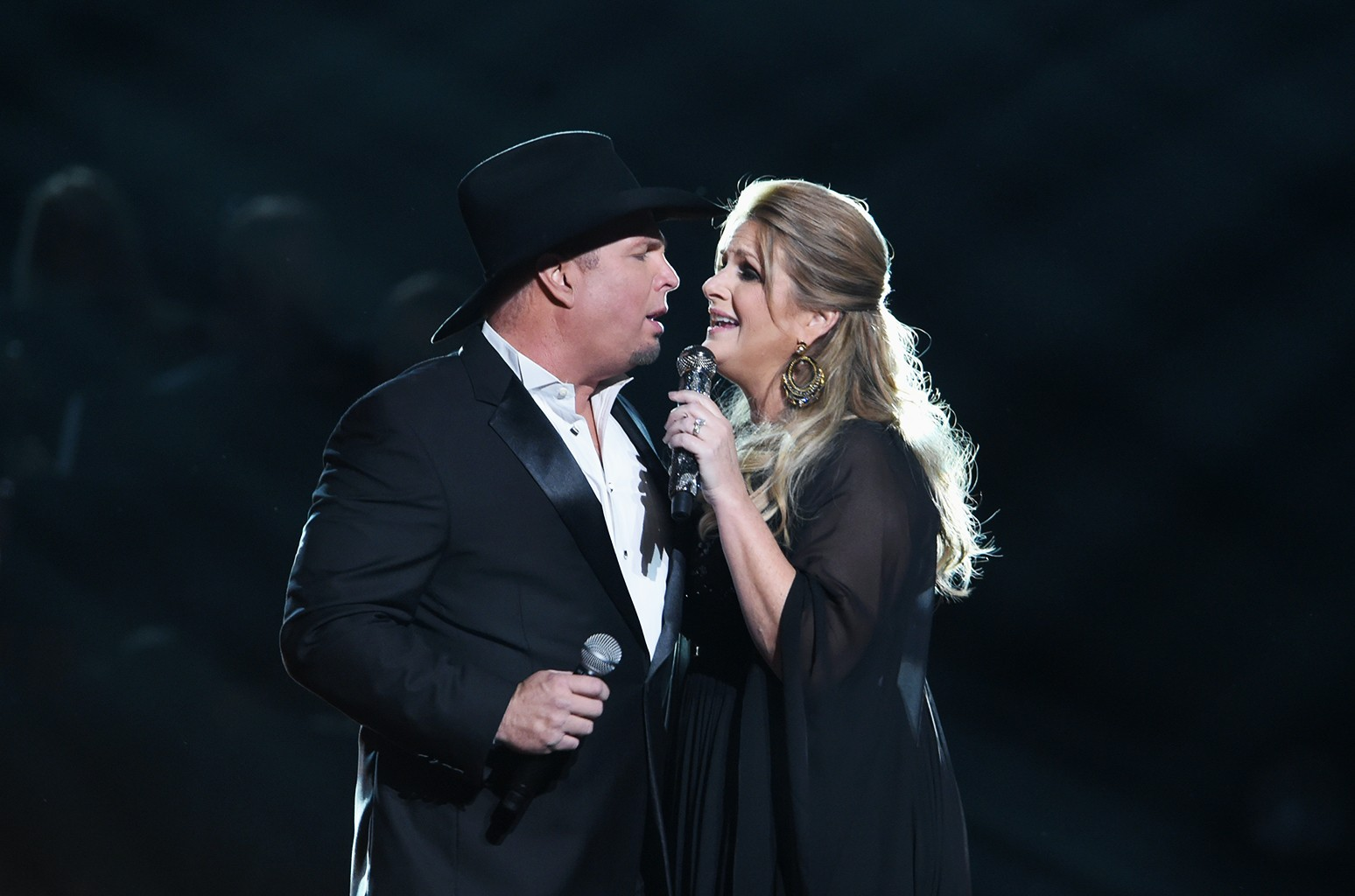 Garth Brooks and Trisha Yearwood Quarantining After Possible COVID-19 Exposure
