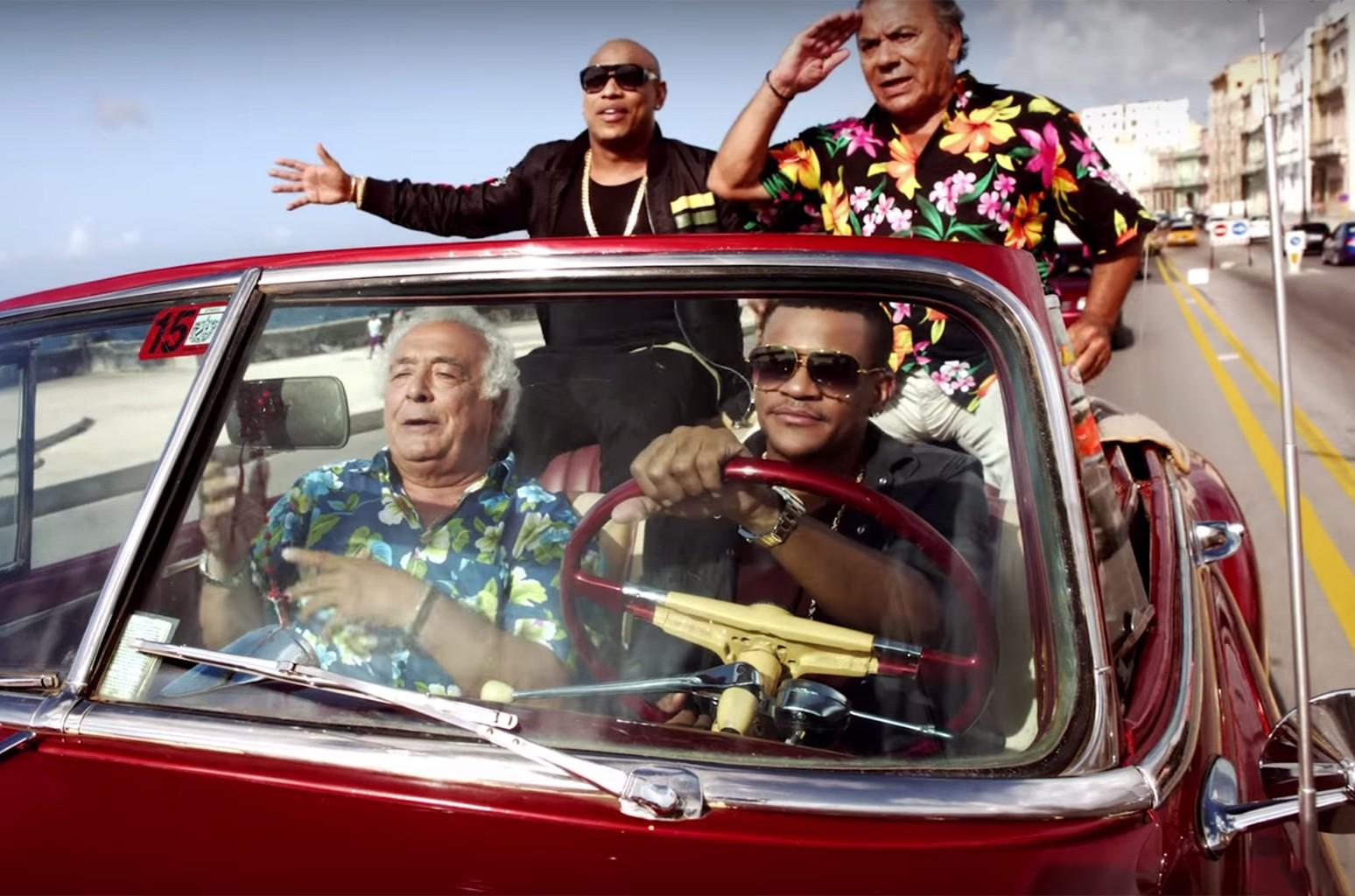 """Gente de Zona in the video for """"Mas Macarena"""""""