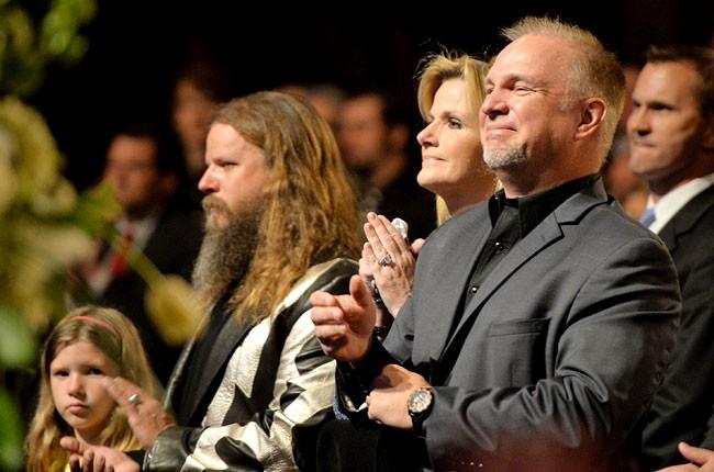 george-jones-funeral-jamey-johnson-trisha-yearwood-garth-brooks-650-430
