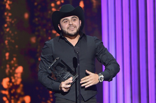 Gerardo Ortiz accepts award at the 2015 Billboard Latin Music Awards