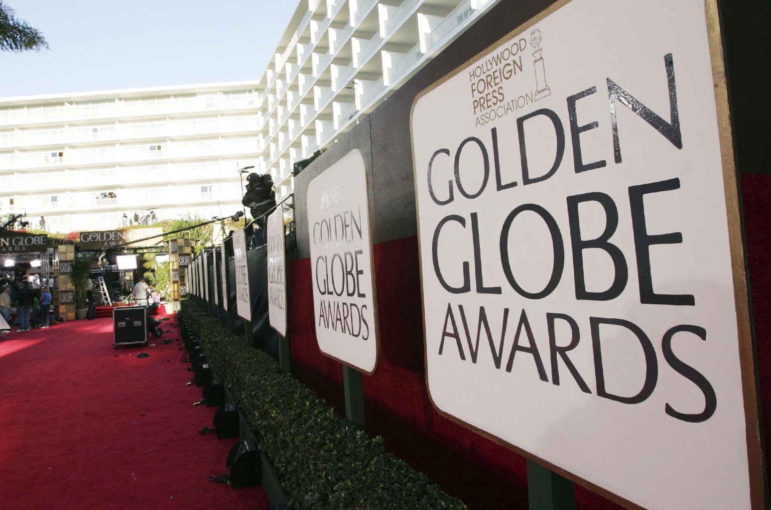 Preparations for the 63rd Annual Golden Globes are underway at the Beverly Hilton Hotel.