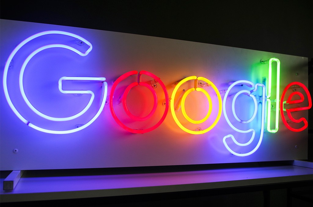 google-logo-neon-lights-2017-billboard-1548