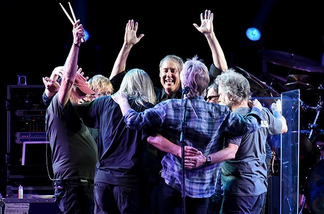 Trey Anastasio, Phil Lesh, Bill Kreutzman, Bob Weir, Mickey Hart, Jeff Chimenti and Bruce Hornsby of The Grateful Dead
