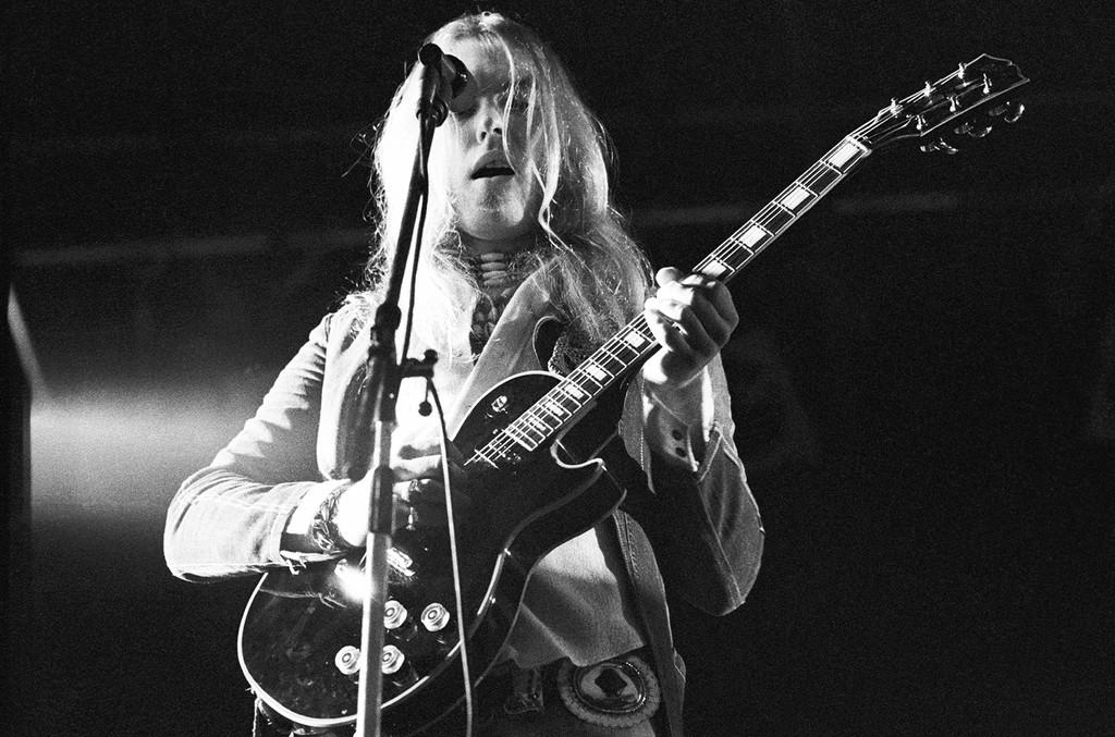 Gregg Allman performs on stage at Knebworth, Herts, United Kingdom on July 20, 1974.
