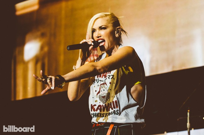 gwen-stafani-no-doubt-kroq-almost-acoustic-christmas-2014-billboard-650