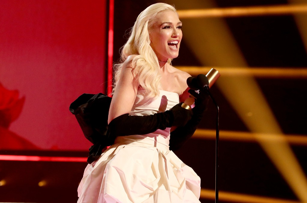 gwen-stefani-winner-2019-peoples-choices-awards-billboard-1548