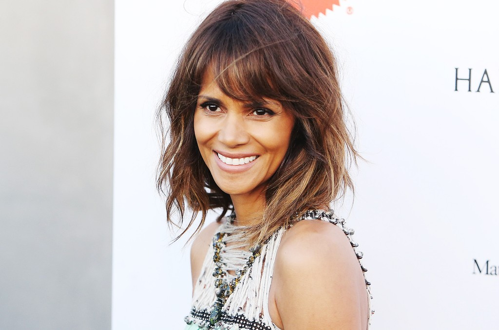 Halle Berry arrives at the Mattel Children's Hospital UCLA Kaleidoscope Ball held at 3LABS on May 2, 2015 in Culver City, Calif.