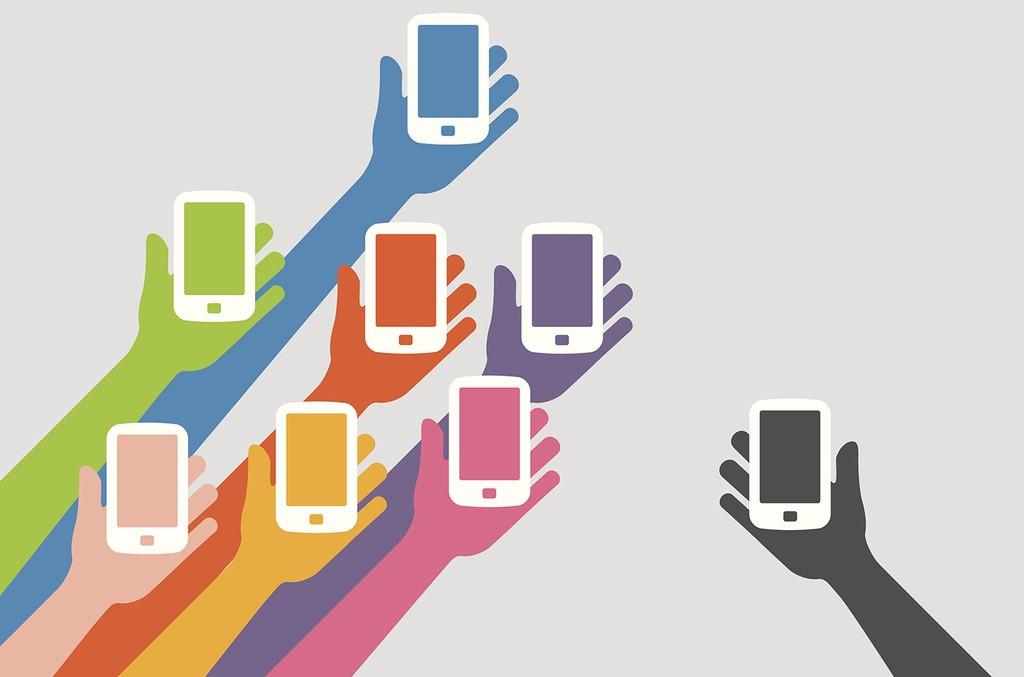 hands-phone-illo-2016-billboard-1548