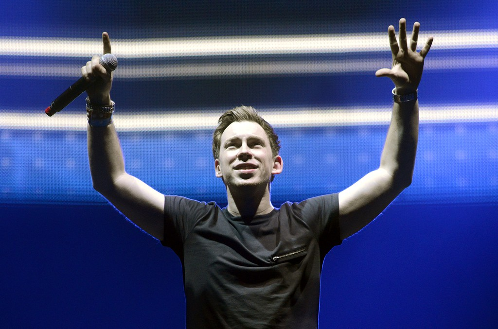 Hardwell performs during Ultra Music Festival 2015