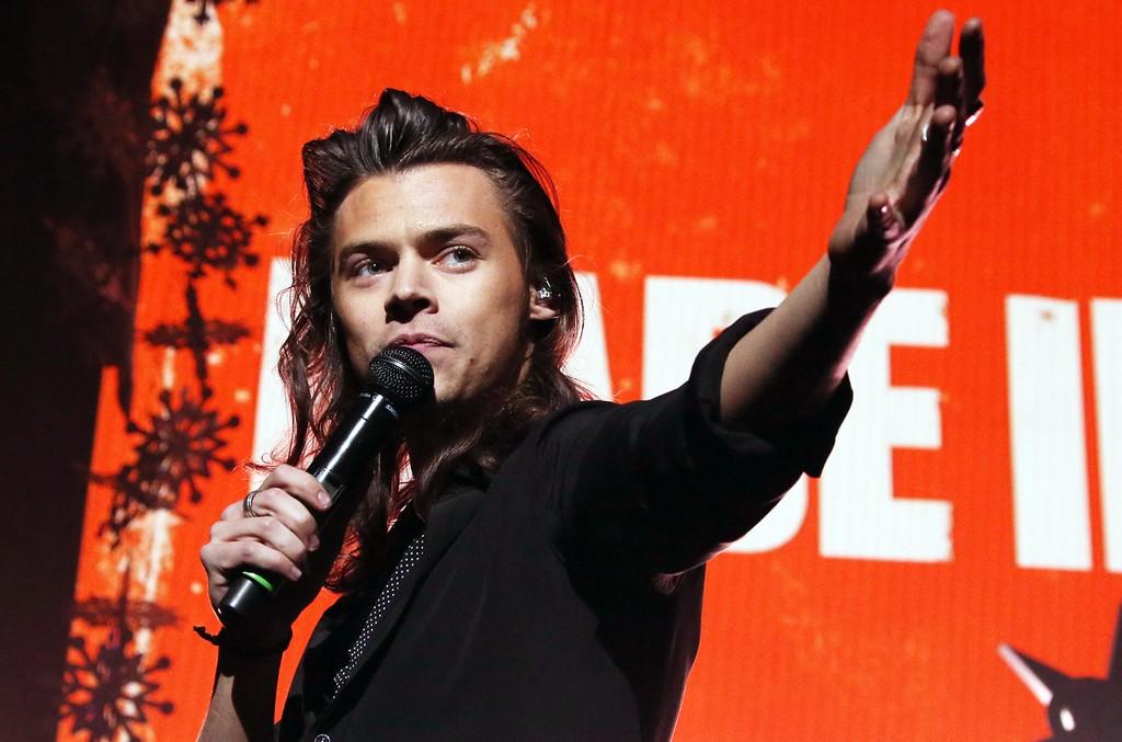 Harry Styles performs on Dec. 1, 2015.