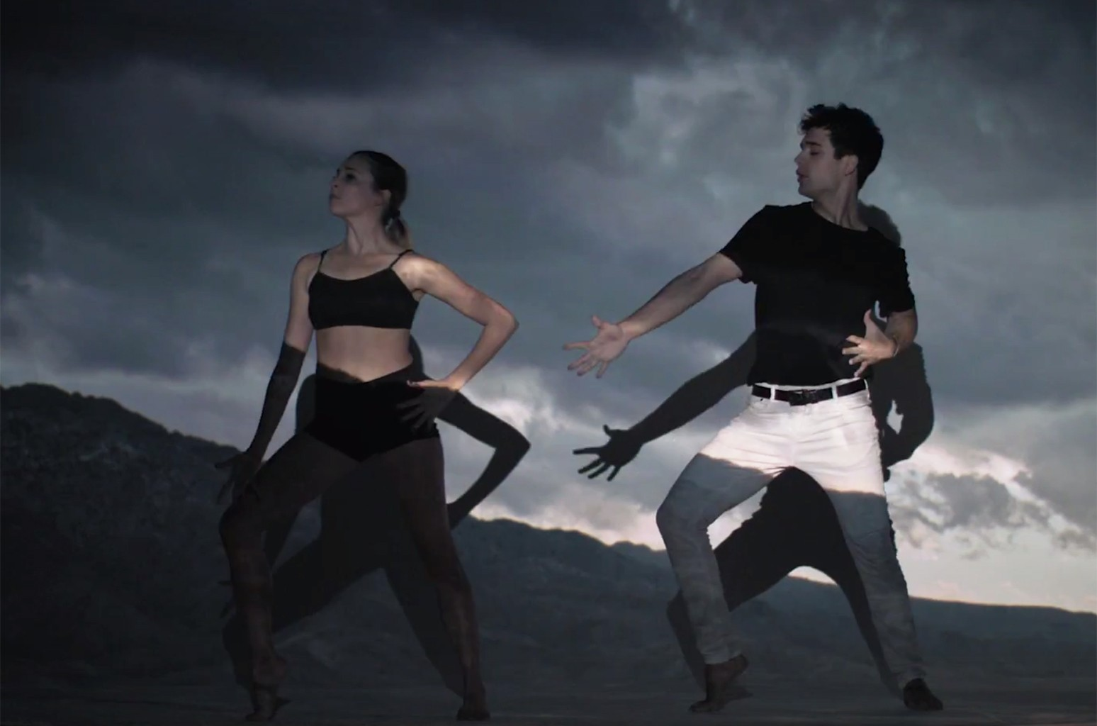 "A scene from the video for starRo's remix of ""Heavy Star Movin'"""