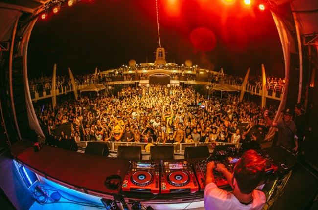 holy-ship-2015-courtesy-billboard-650
