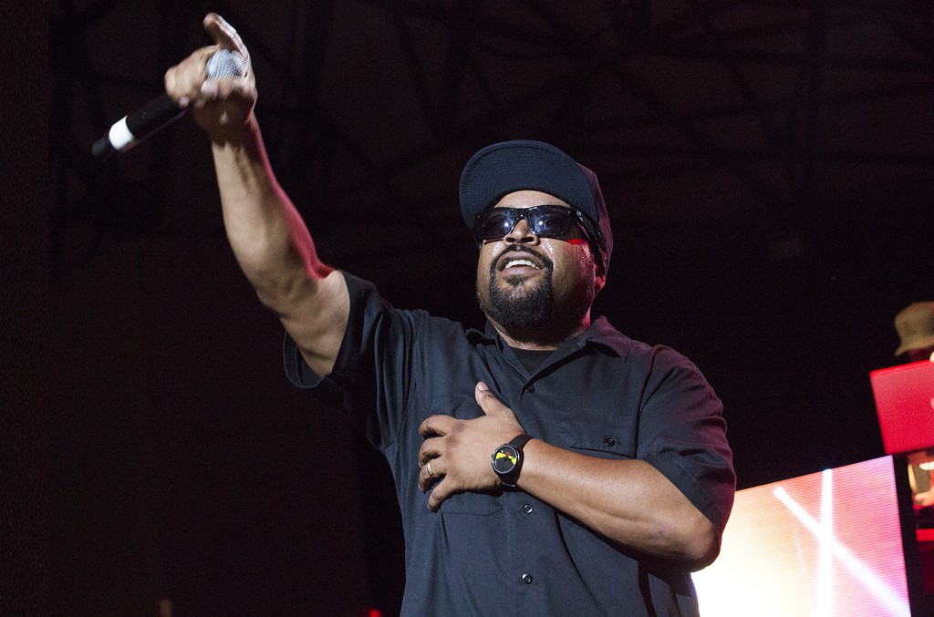 Ice Cube performs in 2016