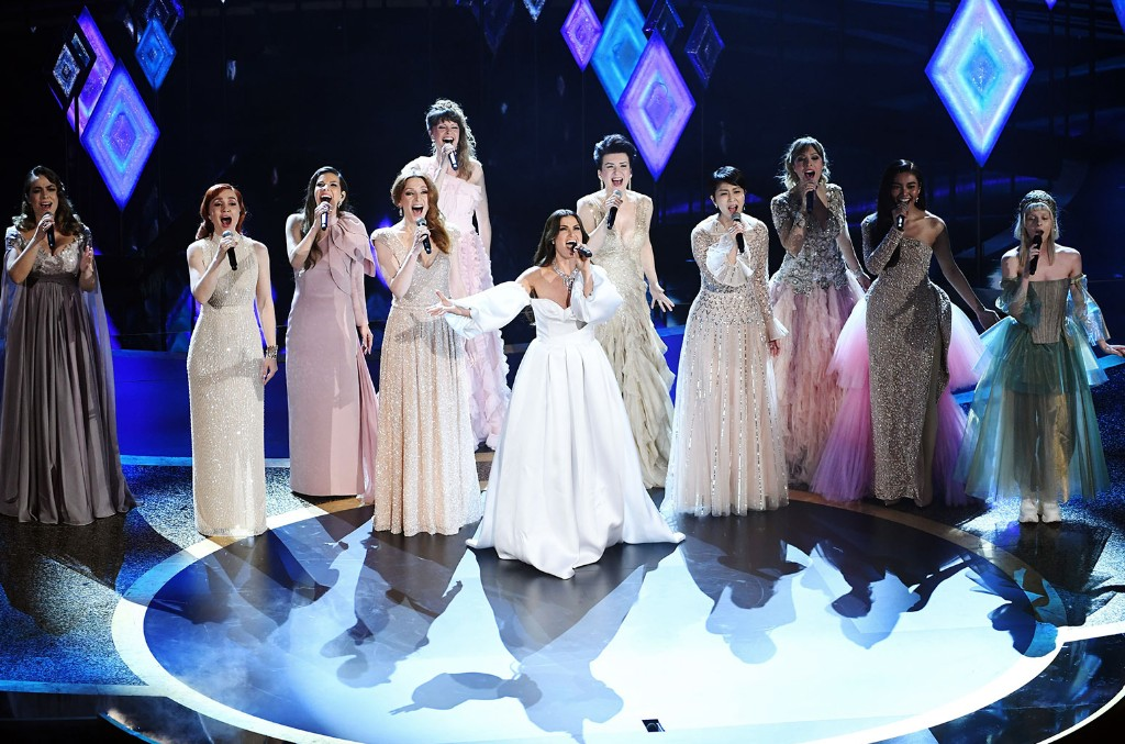 Idina Menzel and fellow singers such as Gisela Castellan, Lisa Stokke, Anna Buturlina, and Maria Lucia Rosenberg