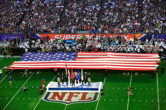 idina-menzel-national-anthem-super-bowl-xlix-2015-billboard-650_0