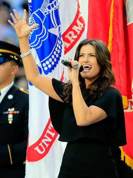 idina-menzel-singing-national-anthem-super-bowl-xlix-2015-billboard-450