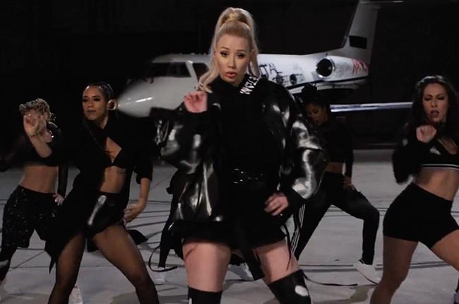 "Iggy Azalea's 2016 ""Team"" music video."