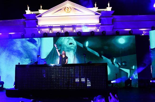 David Guetta performing at the iHeartRadio Summer Pool Party at Caesars Palace on May 30, 2015 in Las Vegas, Nevada.