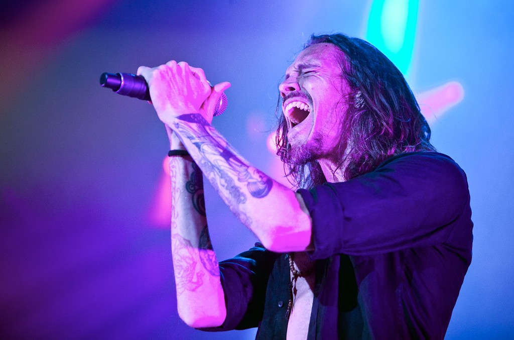 Brandon Boyd of Incubus performs at PNC Music Pavilion on Aug. 9, 2015 in Charlotte, N.C.