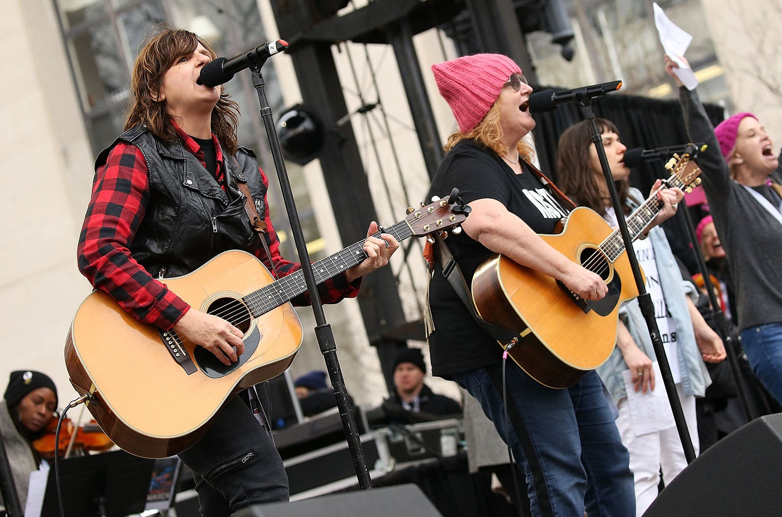 Amy Ray (L) and Emily Saliers of the Indigo Girls perform at the rally at the Women's March on Washington on January 21, 2017 in Washington, DC.