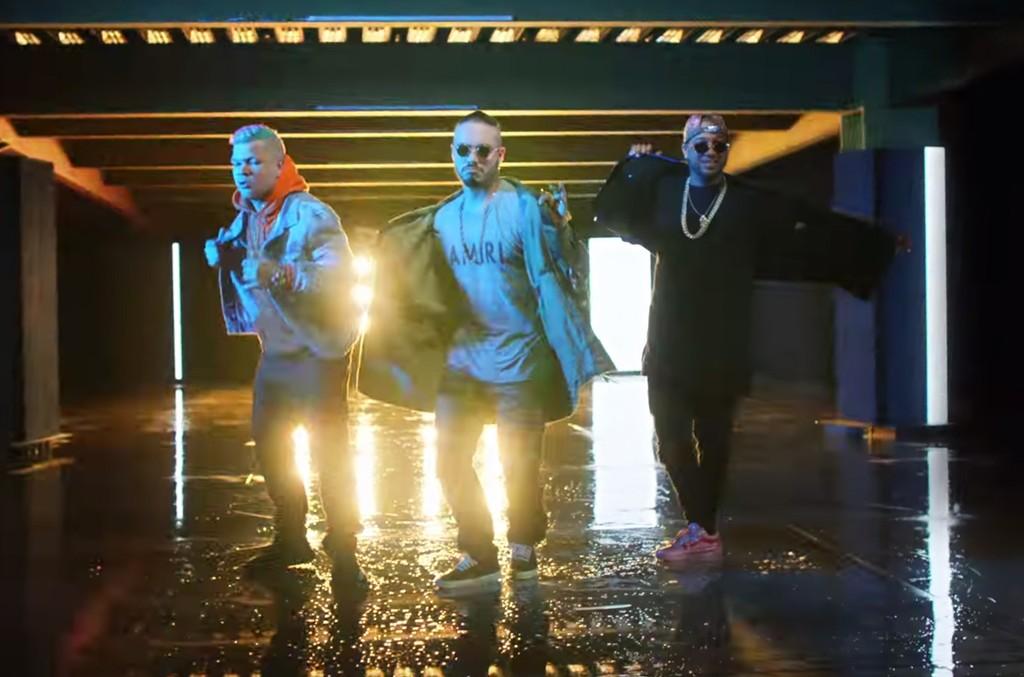 "J. Balvin, Jowell & Randy in the video for ""Bonita"""