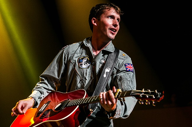 james-blunt-performing-2014-billboard-650