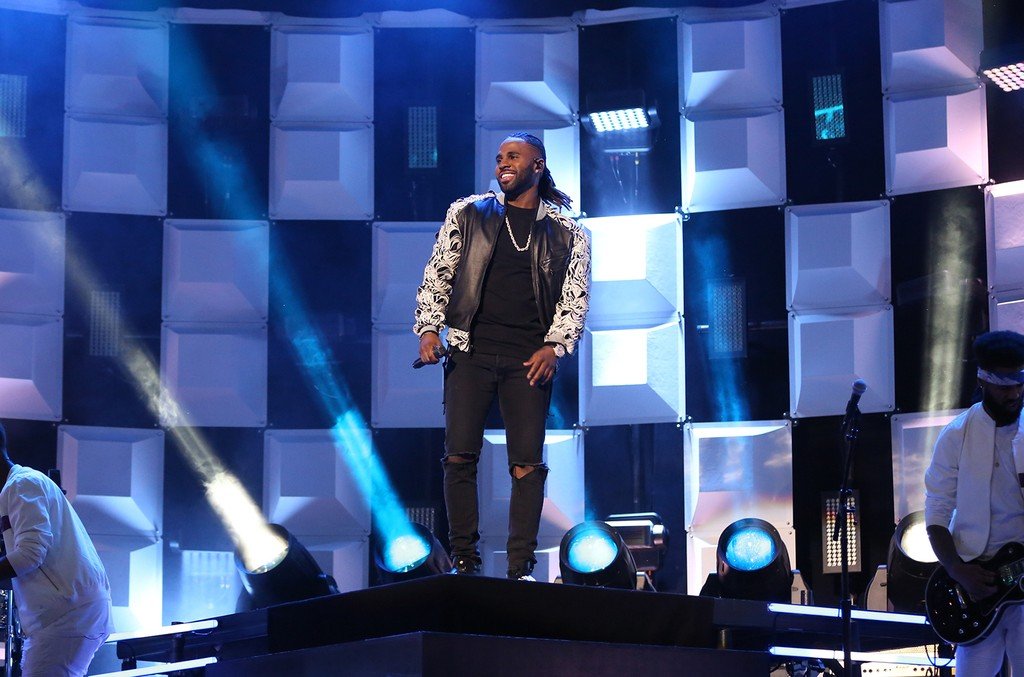 Jason Derulo performs on 'The Tonight Show Starring Jimmy Fallon' on April 6, 2017.