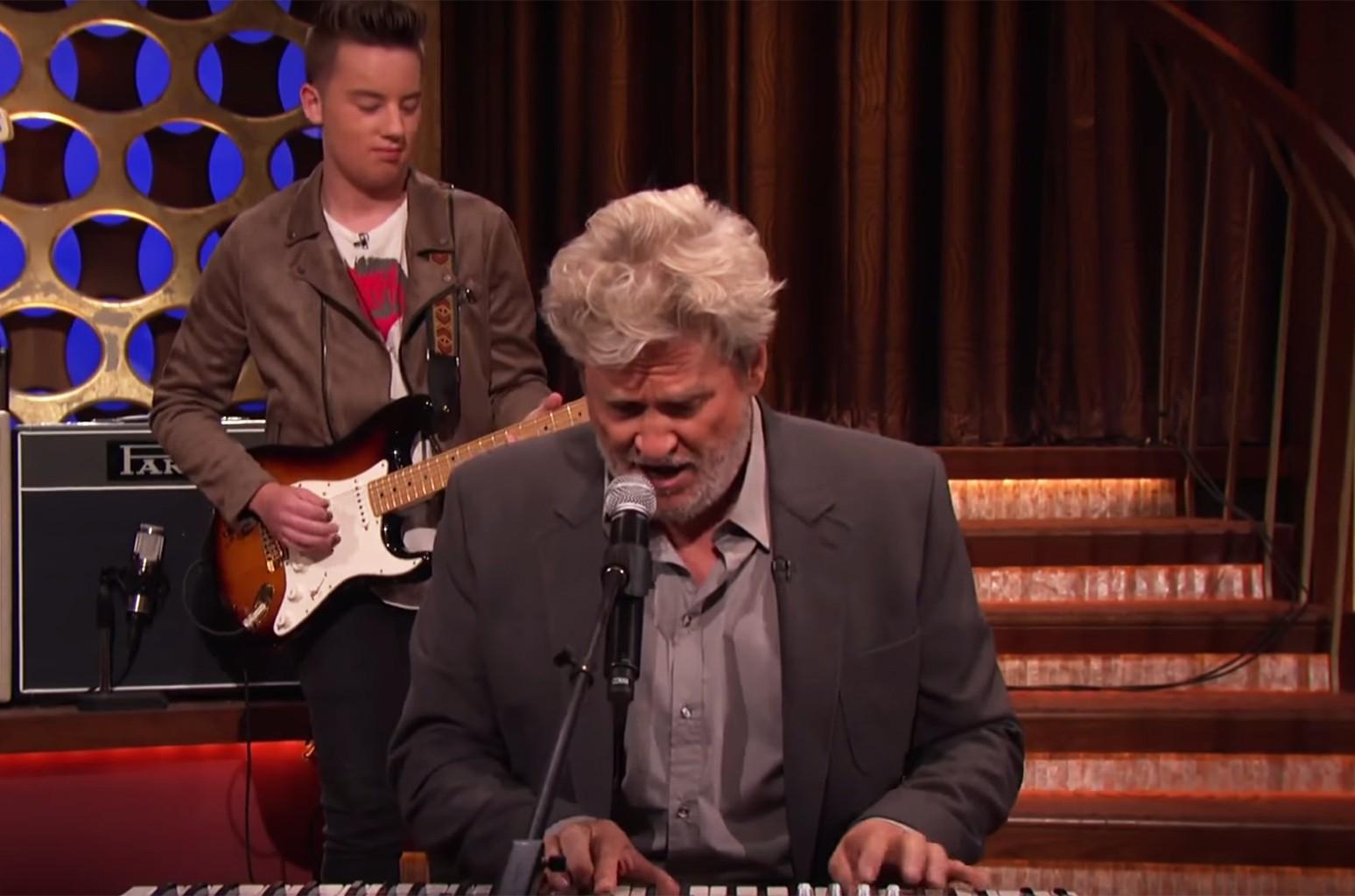 Jeff Bridges performs on Conan