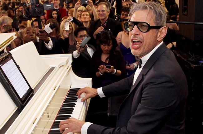 Jeff Goldblum plays piano in 2014